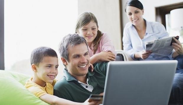 ¿Cómo acortar la brecha tecnológica entre padres e hijos?