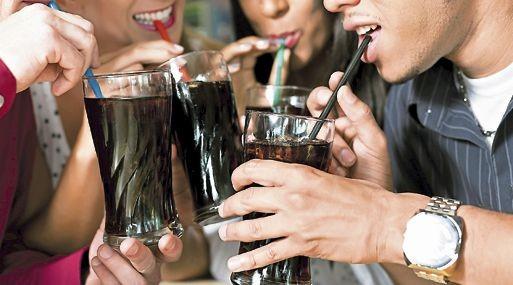 El alto consumo de  bebidas azucaradas lleva a la obesidad