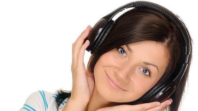 Escuchar la música alta afecta al aprendizaje de los jovenes