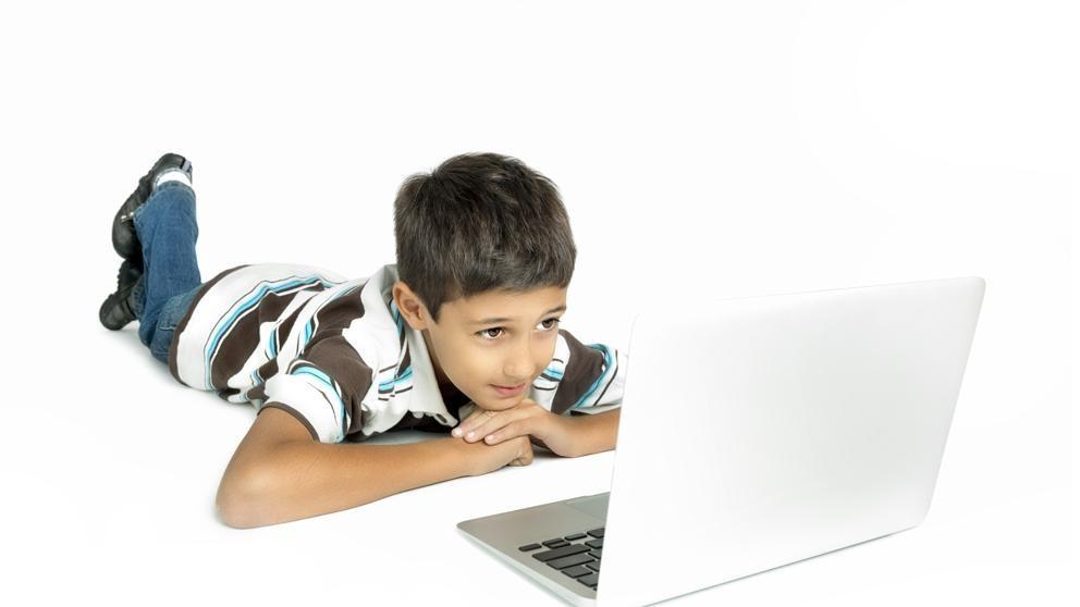 YouTube denunciada por recopilar datos de menores de 13 años ilegalmente