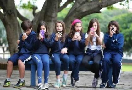 ¿Cómo ayudar a los jóvenes a aceptarse tal y como son?