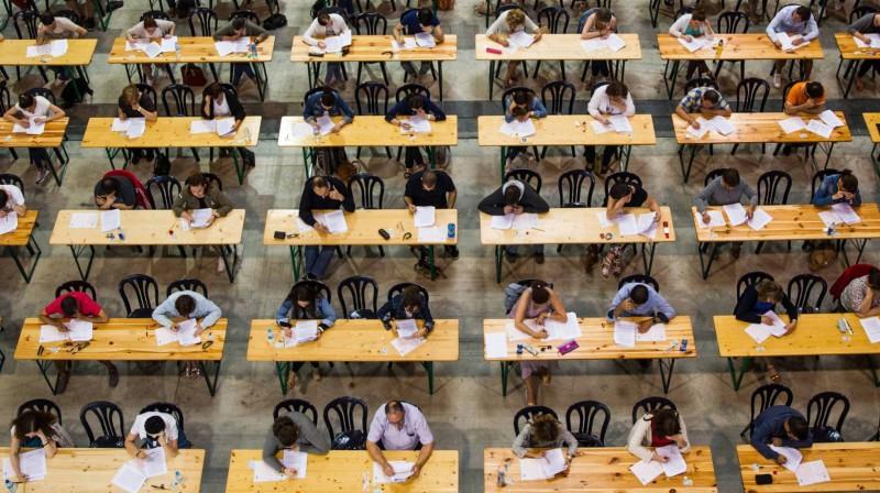 Educación y sindicatos acuerdan cambios para que las oposiciones a docentes sean eliminatorias